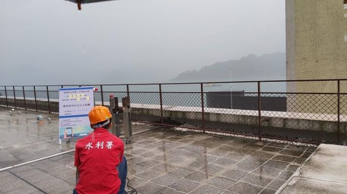 經濟部水利署南區水資源局把握難得降雨時機 曾文水庫施作人工增雨1_圖示