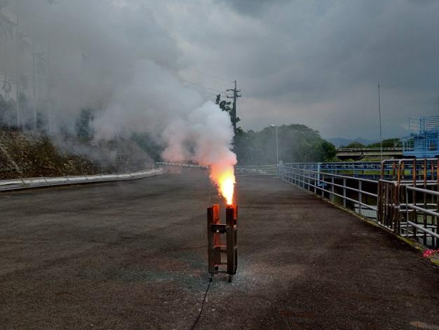 南部山區午後降雨機會增高,水利署於仁義潭水庫人工增雨施作_圖示