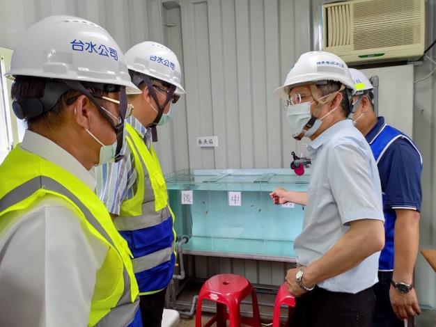 水利署署長賴建信與忠泰營造公司總經理陳秋雄視訊並向第一線工作人員說聲謝謝3_圖示