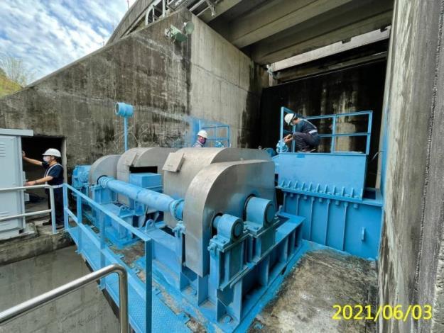 彩雲颱風來襲 水利署防汛整備已到位集集管理中心檢查水利設施相關機具_圖示
