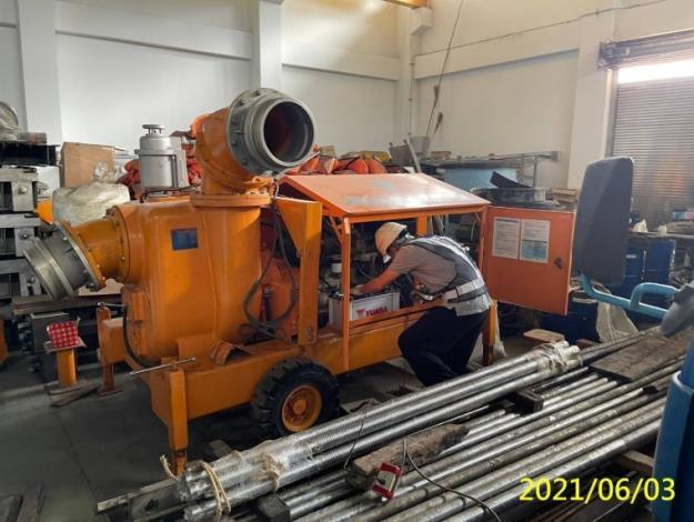 彩雲颱風來襲水利署防汛整備已到位-集集管理中心檢測大型移動抽水機功能_圖示