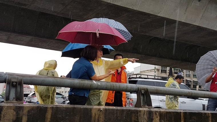 行政院關心高雄地區淹水災情,指示加速執行前瞻計畫