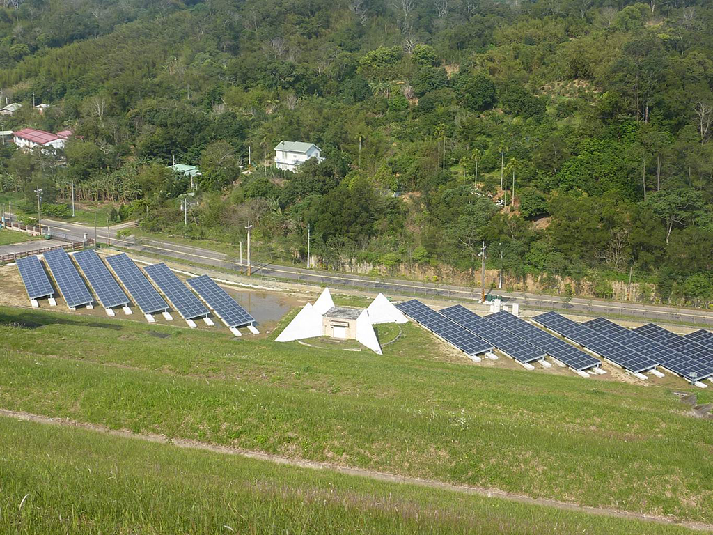 寶山第二水庫太陽光電發電系統完成現況_圖示