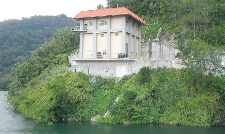Installation of control room for stratified water intake operation at Shimen Reservoir