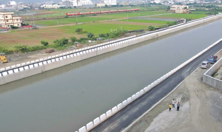 Yangzicuo creek and Shisun drainage improvement project in Dacun village