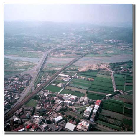 後龍溪下游,鐵路橋與台一線公路橋段_圖示