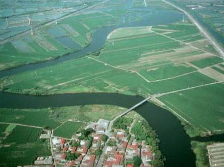 急水溪下游二港仔段,河道彎曲,形如大地之彩帶_圖示