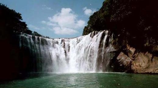 基隆河最壯觀的十分寮大瀑布_圖示