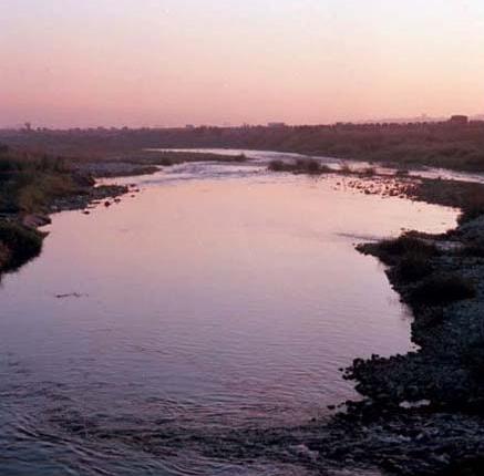 筏子溪沿中山高速公路東側南流,在烏日匯入烏溪_圖示