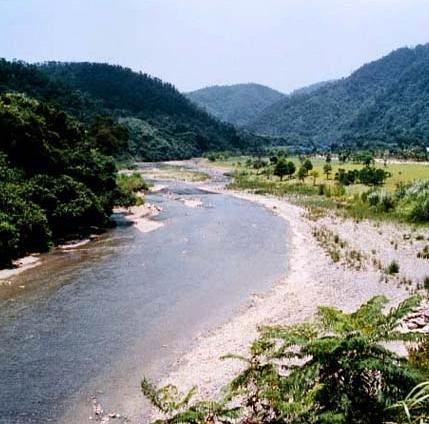 新城溪中游 有寬闊的谷地_圖示