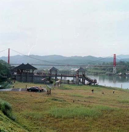 雙溪下游龍門吊橋,是最佳的水上活動遊憩區_圖示