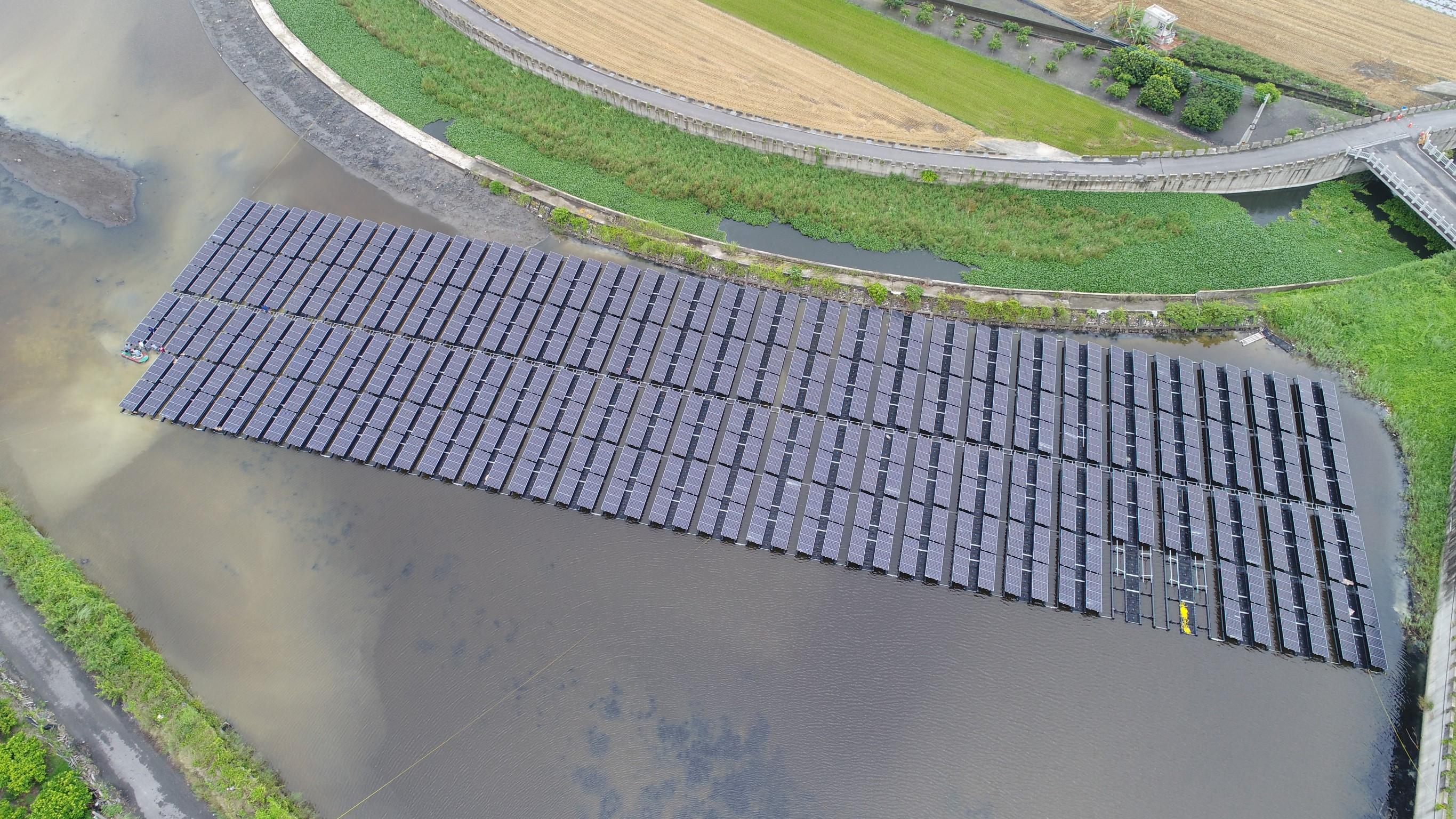 屏東縣政府提供牛埔滯洪池太陽能空拍圖_圖示
